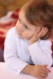 liten flicka royaltyfri bild