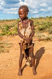 Liten flicka från den Hamar stammen. Arkivbilder