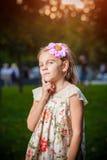 Liten flicka som är borttappad i tanke Royaltyfri Fotografi