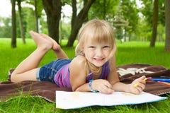 Dra för liten flicka arkivbilder