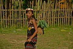Liten flicka under buffelfestival Arkivbild