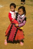Liten flicka under förälskelsemarknadsfestival i Vietnam Royaltyfria Foton