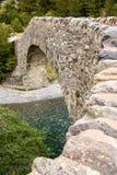 Liten forntida stenbro Royaltyfri Fotografi