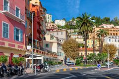 Liten fransk stad med färgrika hus Royaltyfria Foton