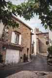 Liten gata i Le Castellet, lite by i Provence, Frankrike arkivbilder