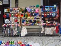 Liten gatahandel p? gatan av en liten georgisk stad royaltyfri fotografi
