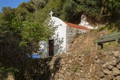Liten grekisk kyrka, Kreta Arkivfoto