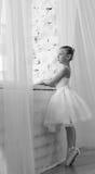 Liten gullig ballerina ballerina svart white Fotografering för Bildbyråer
