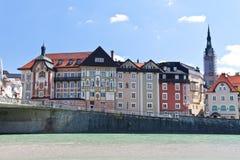 Liten härlig europeisk stad Arkivfoto