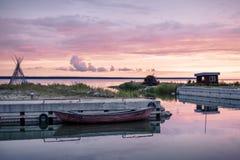 Liten hamn på Estland royaltyfria bilder