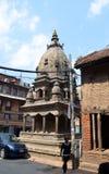 Liten hinduisk tempel på den Patan Durbar fyrkanten Royaltyfria Bilder