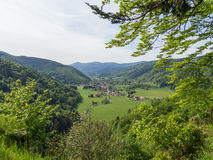 Liten by i den Vosges dalen Royaltyfri Foto
