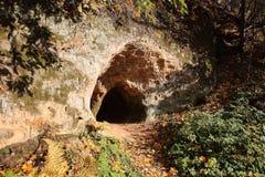 Liten jäkels grotta arkivbild