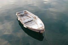 Liten jolle i Santa Margherita Ligure, Italien arkivfoton
