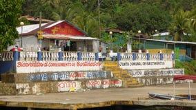Liten karibisk by, Bastimentos, Panama Royaltyfri Fotografi
