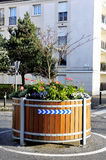 Liten karusell som dekoreras med blommor Fotografering för Bildbyråer