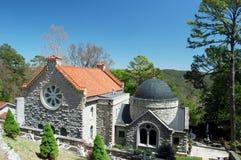 liten katolsk kyrka Royaltyfri Foto
