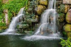 Liten konstgjord vattenfall Arkivbilder