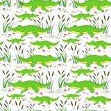 Liten krokodil för gullig tecknad film i vassen som isoleras på vit bakgrund, alligator för vektorklotterillustration, löst djur stock illustrationer