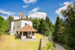 Liten kyrka av århundrade 14 Fotografering för Bildbyråer