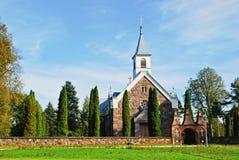 Liten kyrka i den Andrioniskis staden - Anyksciai område royaltyfri bild