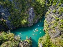 Liten lagun i El Nido, Palawan, Filippinerna Turnera a-rutten och förlägga Royaltyfria Bilder