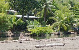Liten lagun på stranden av Drake i landskapet av Puntarenas, Costa Rica Arkivfoton