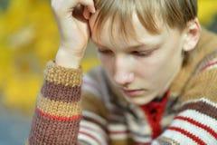 Liten ledsen pojke Royaltyfri Fotografi