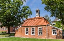 Liten Pingelhus byggnad i den historiska mitten av Aurich Fotografering för Bildbyråer