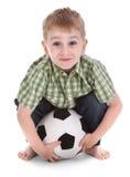 liten pojkefotboll Arkivbilder