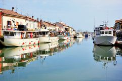 Liten porttown i Italien Royaltyfri Fotografi