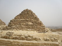 Liten pyramid i Giza Royaltyfri Fotografi