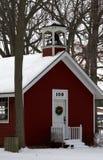 Liten röd skolhus Arkivbilder