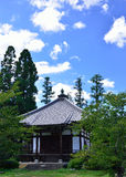 Liten relikskrin av den Daikakuji templet, Kyoto Japan Royaltyfri Foto