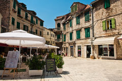 Liten restaurang i splittring, Kroatien Fotografering för Bildbyråer