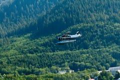 Liten Seaplane i Alaska Royaltyfri Fotografi
