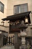 Liten shintorelikskrin, Takayama, Japan Arkivfoto