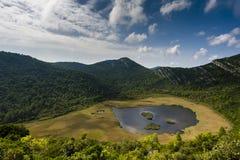 Liten sjö med träsket på den Mljet ön - Kroatien Fotografering för Bildbyråer