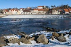 Liten stad i Tyskland i vinter Arkivfoton