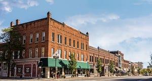 Liten stad Main Street royaltyfria bilder