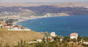 Liten stad på kusten av Blacket Sea crimea Fotografering för Bildbyråer