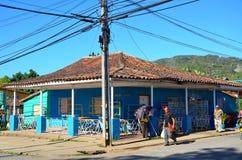Liten stad Vinales och kolonialt hus, Kuba Arkivbild