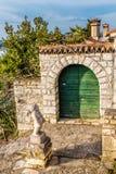 Liten staty av Angel And Green Gate-Vrsar, Istria Royaltyfri Fotografi
