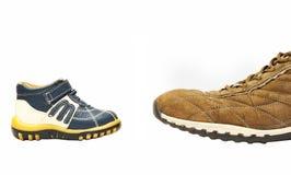 liten stor contra sko Arkivbilder