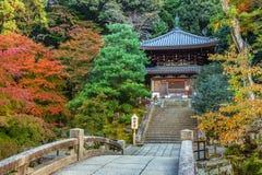 Liten tempel på Chion-i komplexet i Kyoto Arkivfoto