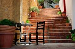 Liten terrass på trappuppgång Royaltyfri Foto