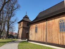 Liten träkyrka i Lesser Poland, Polen fotografering för bildbyråer