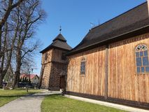 Liten tr?kyrka i Lesser Poland, Polen royaltyfri fotografi