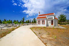 Liten traditionell kyrka på Kreta Royaltyfria Foton