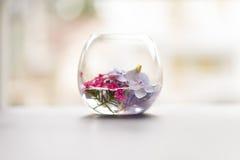 Liten värld av blommor arkivfoto